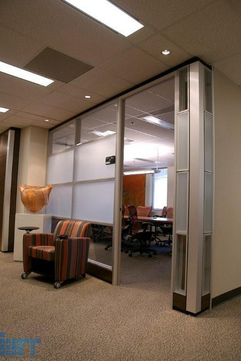Frameless glass sliding doors for modular office partitions for Glass sliding walls