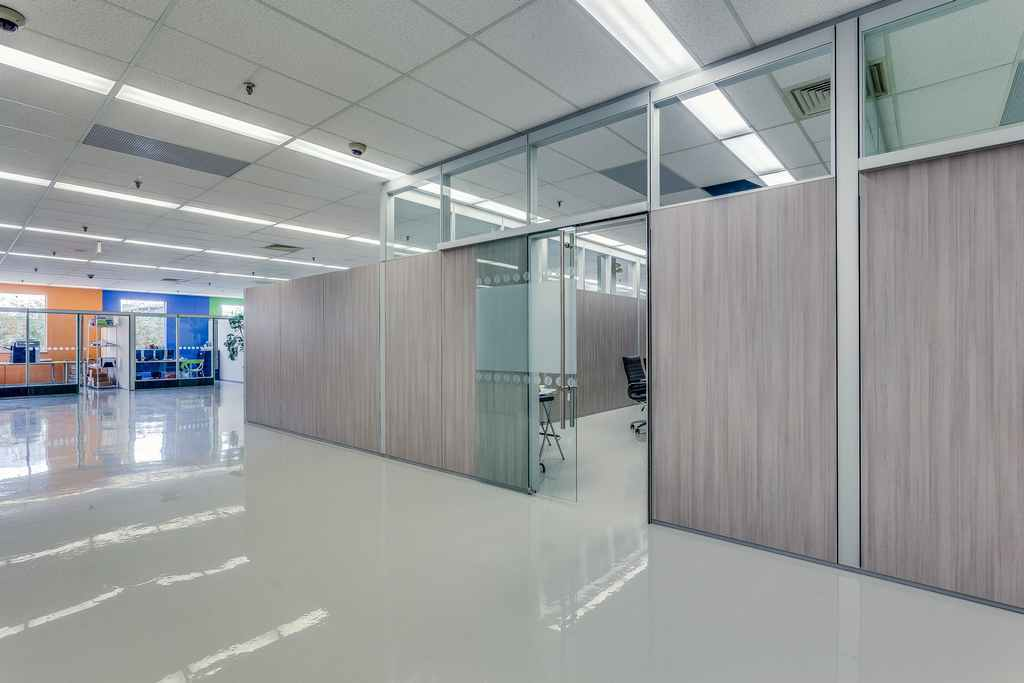 Canprev natural health products movable walls glass for Movable glass wall systems