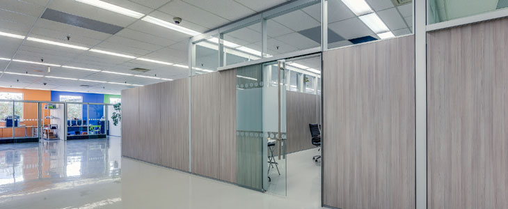 Duo segmentation is a laminate glass partition wall