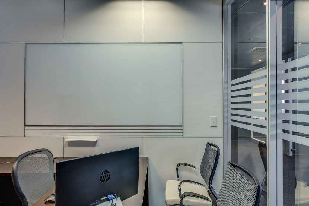 Imt Showroom Movable Walls Glass Partitions