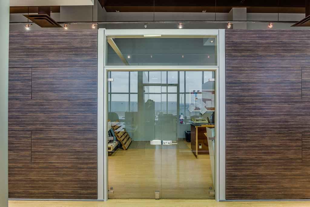 Frameless Hinged Glass Doors For Modular Office Wall