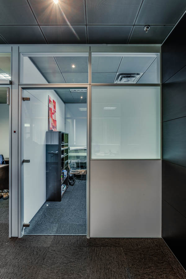 Smart tint turns your modular glass walls and doors to opaque glass glass partitions vs solid partitions planetlyrics Images