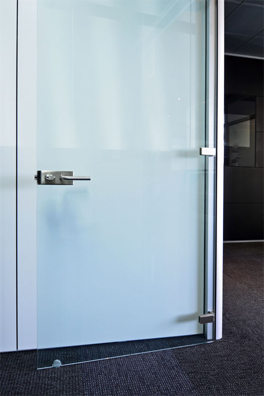Frameless Hinged Glass Doors For Modular Office Wall